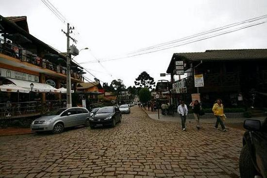 Stato del Minas Gerais: the main street of Monte Verde