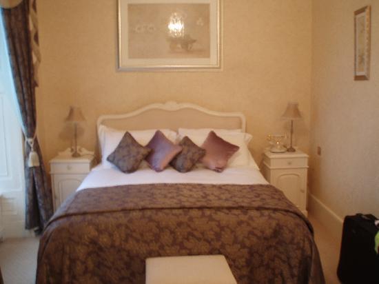 La Haule Manor: Our Bedroom
