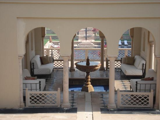 The Oberoi Amarvilas: Perfect place to relax and read