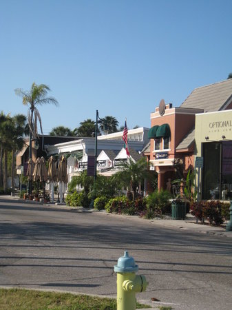 St. Armands Circle : Part of the strip