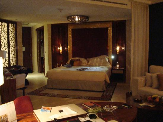 Raffles Dubai: raffle suite