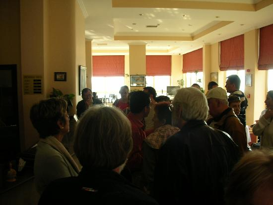 Arora Hotel: the crowd waiting for their room