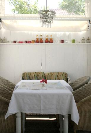 Blackheath Lodge verandah table