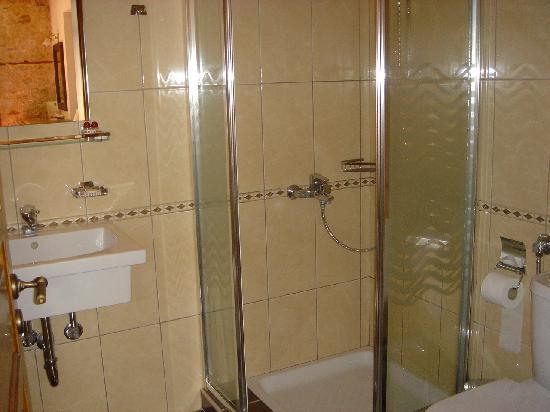 Hotel Kentrikon : Bathroom