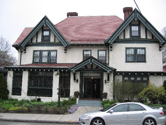 The Bertram Inn: Front of inn