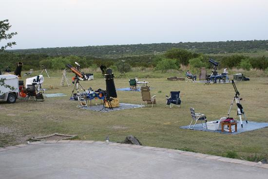 X Bar Ranch: Easily accommodates large or small star parties, or individual observing sessions.