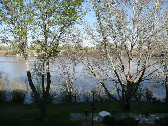 River Terrace Inn: River view from our patio