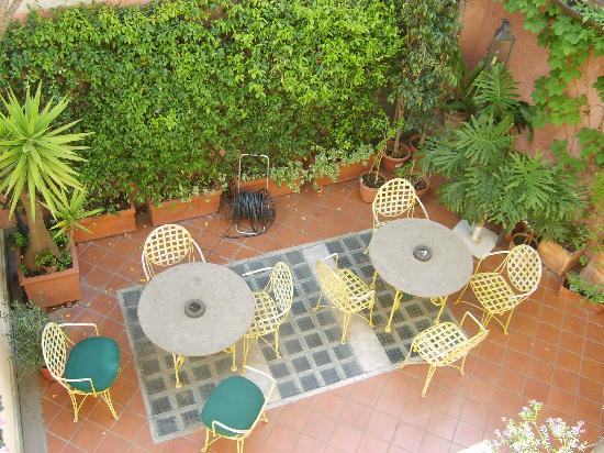 Hotel Bramante: cortile interno