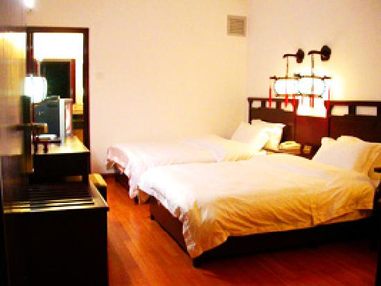 Lisa's Mountian View Hotel: Our room