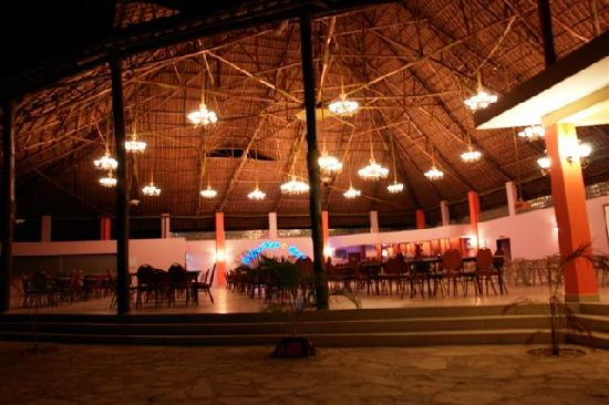 Hotel South Beach Resort Dar Es Salaam: Rifu's Bar and Grill