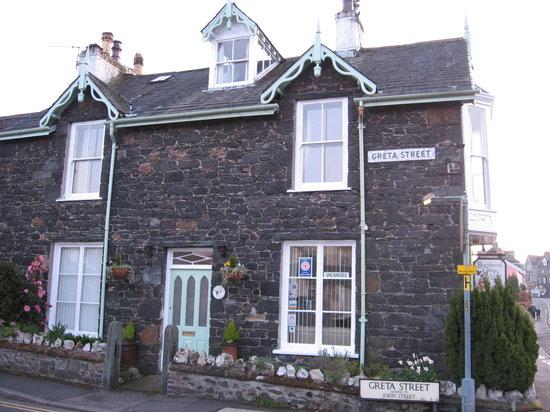 Bramblewood Cottage: Outside Bramblewood