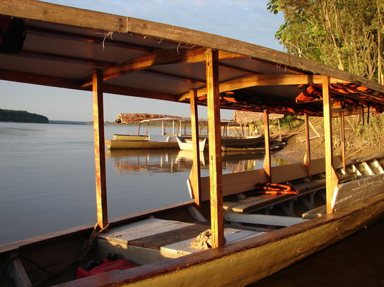 Inkaterra Ecological Reserve : The hotel boats at sunrise...