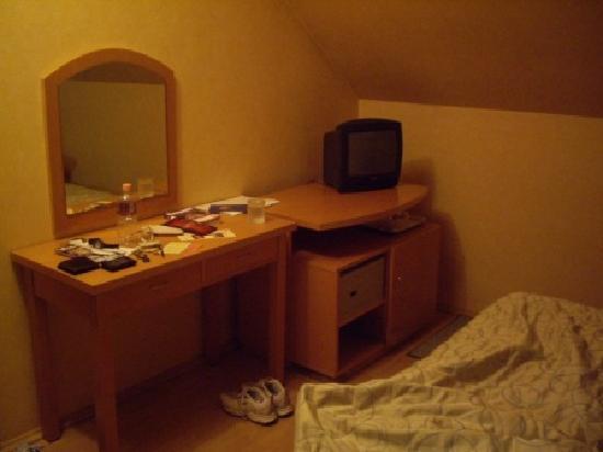 Szent Janos Hotel: Dormer bedroom