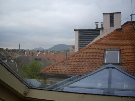 Szent Janos Hotel: Dormer view from sky light