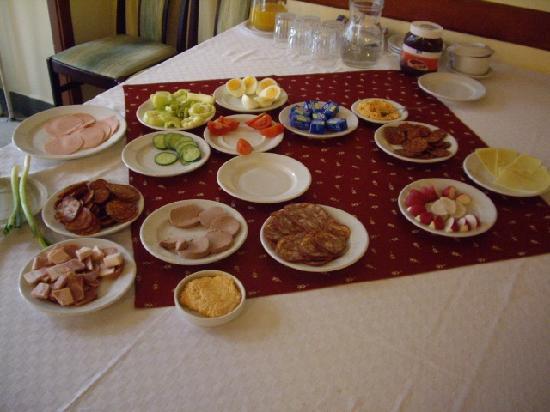 Szent Janos Hotel: Breakfast buffet