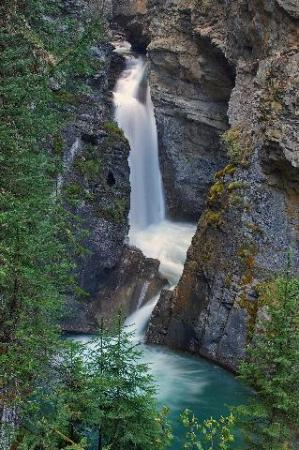 Lower Johnston Canyon Falls