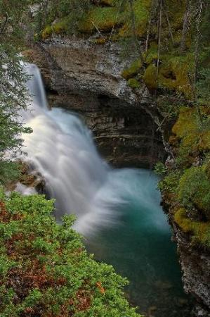 Middle Johnston Canyon Falls