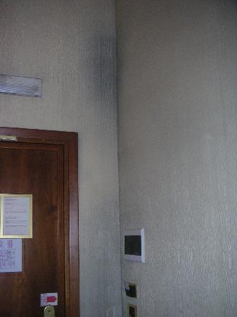 Schimmelflecken Picture Of Hotel Corot Rome Tripadvisor