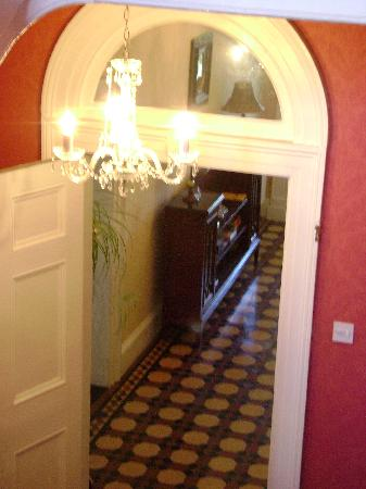 Walcot Bed and Breakfast: the entrance hall