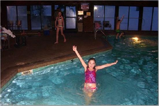 Schuss Village-Shanty Creek Resorts: indoor pool, kids loved it