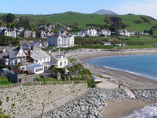 Min y Gaer: The front in Criccieth