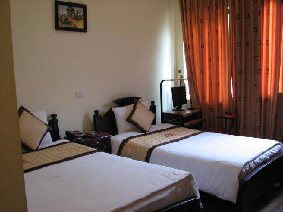 Sunshine Hotel 3 : Beds