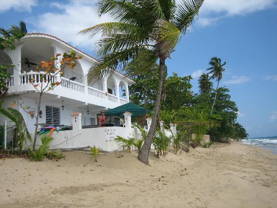 Coconut Palms Inn: Beach BBQ