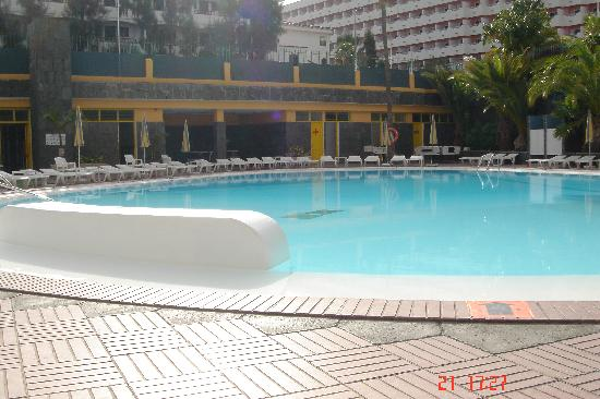 Hotel Lucana: One of the 2 swimming pools