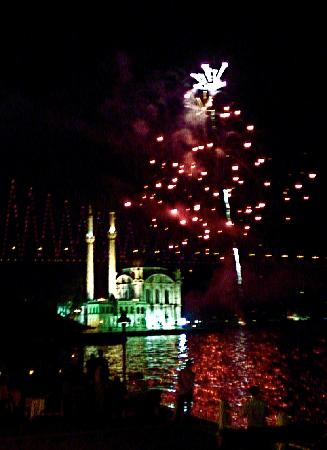 Feriye Palace: fireworks @ ortakoy