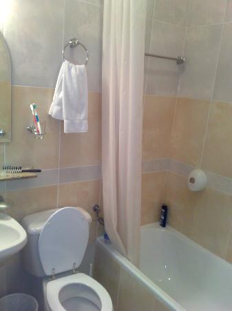 Country Club Hotel Babe: bathroom