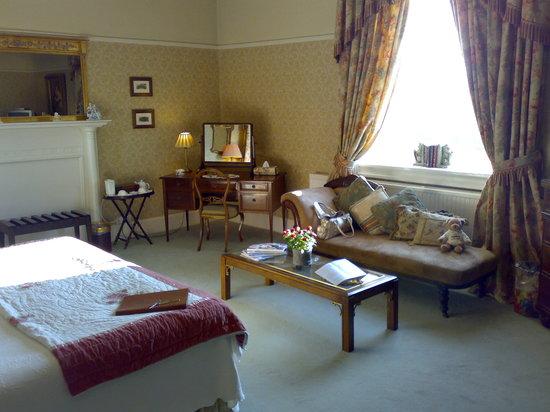 Apsley House Hotel: The Wellington Room