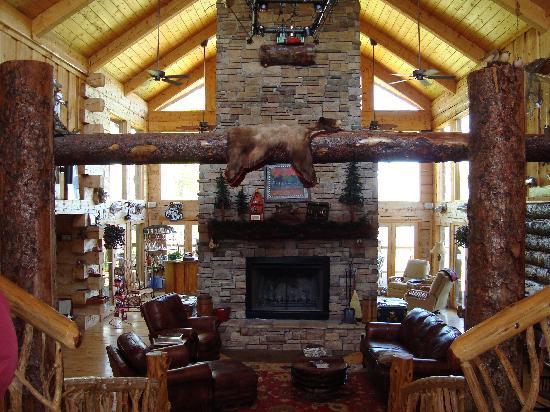 White River Lodge: inside the cabin