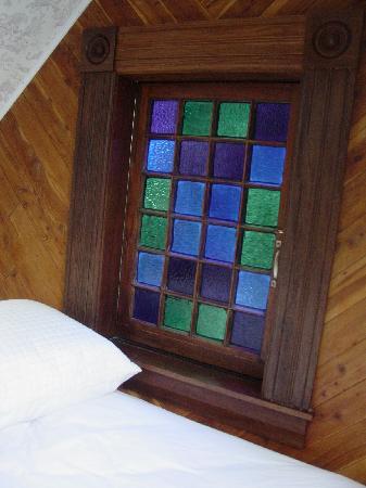 Grape Leaf Inn: Ok, i love this window