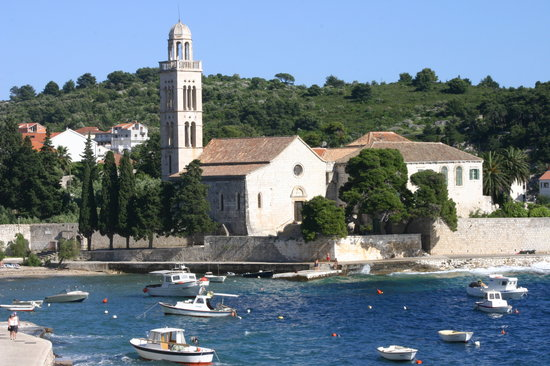 Hvar, Kroatië: Monastery on the water