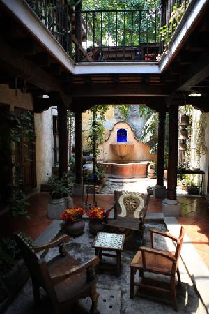 Posada El Antano: lovely courtyard