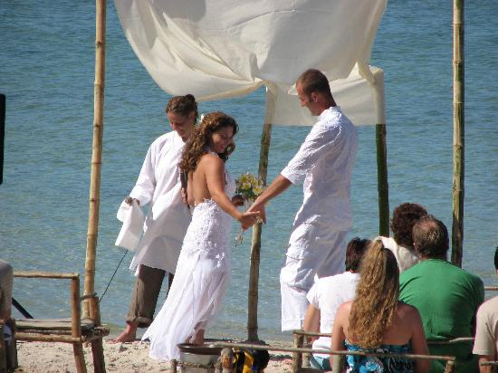 Xai-Xai, Mozambique: Wedding Bilene