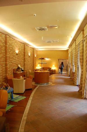 Mamaison Residence Izabella Budapest: Coffee/Breakfast Area