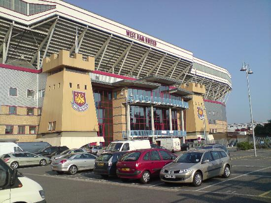 West Ham United Hotel: The hotel/stadium