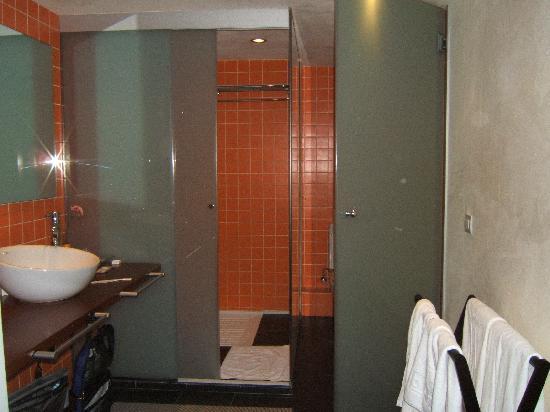 Mercer House Boria BCN: junior suite, bathroom