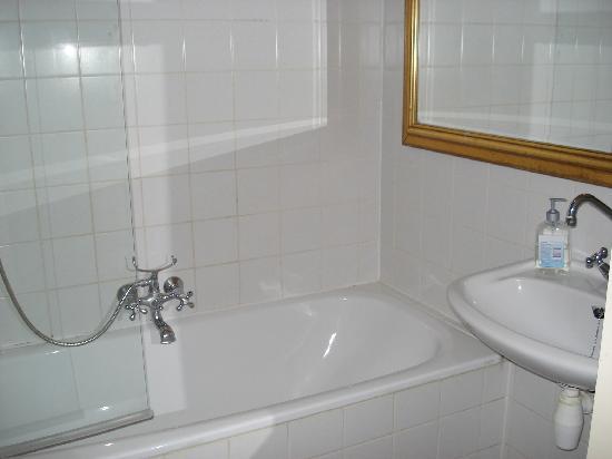Truelove Guesthouse: Baño