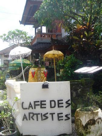 Cafe des Artistes : outside view