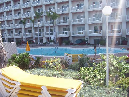 Servatur Green Beach : The main pool