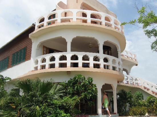 كورال كوف ريزورت آند سبا: Veranda Momma Beach (2nd floor)