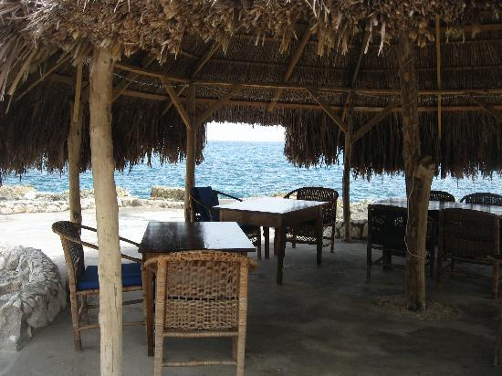 Coral Cove Resort: Where we ate our meals