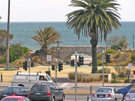 St Kilda, Australie : entrance to playground area, St. Kilda beach  :  image hs000025, recorded 2.20 pm, 19 Dec 06   -