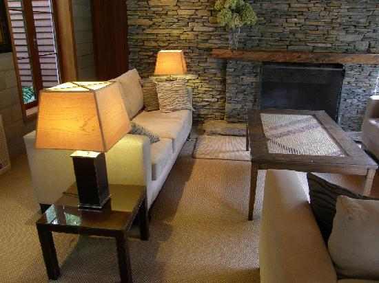 River Birches Lodge : The Lounge