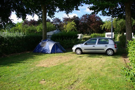 Camping Municipal d'Epernay: Our riverside pitch