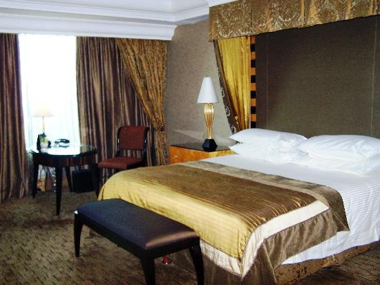 Hotel Mulia Senayan, Jakarta: Bedroom - Royal Suite