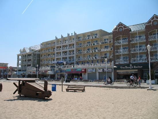 Park Place Hotel: Hotel block