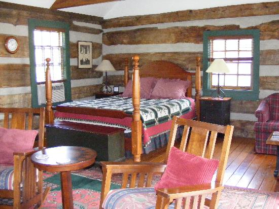 Fort Lewis Lodge: Bed